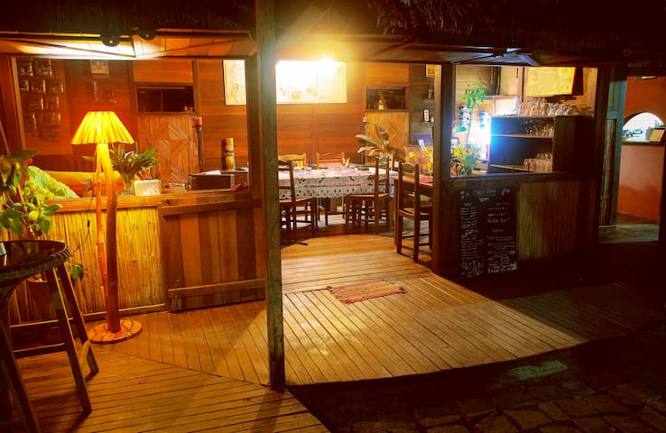 Le salon restaurant & bar