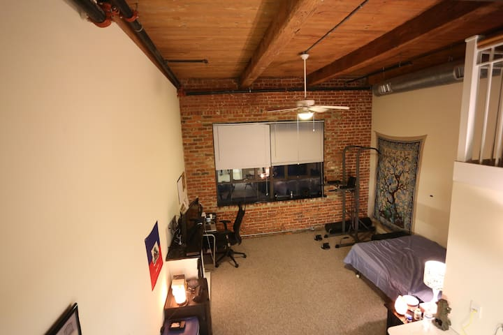 Luxury Studio in Downtown RVA, Shockoe Bottom - Ричмонд - Квартира