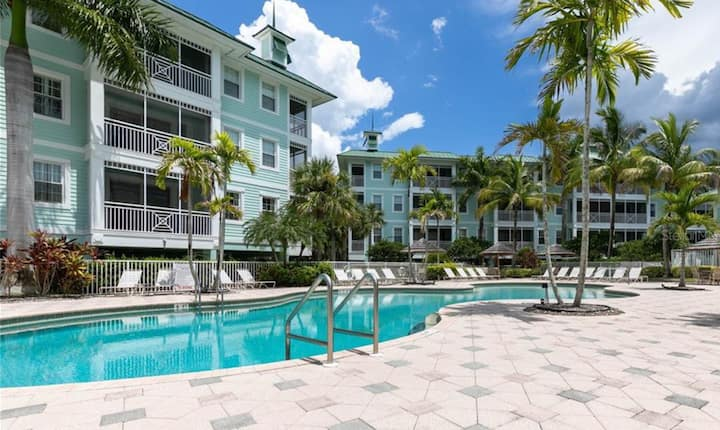 Waterfront Resort in Quiet, Gated Community w Pool