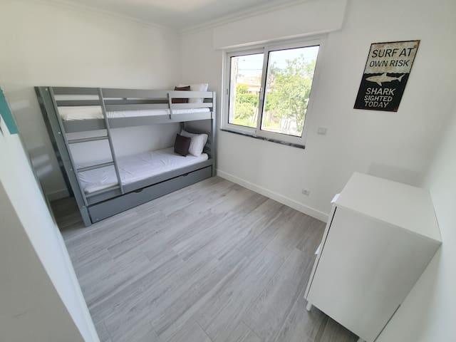 Chambre lit superposé 2 à l'étage