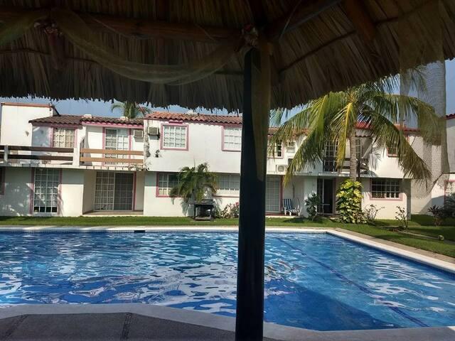 Casa en Punta Diamante a 5 minutos de la playa .