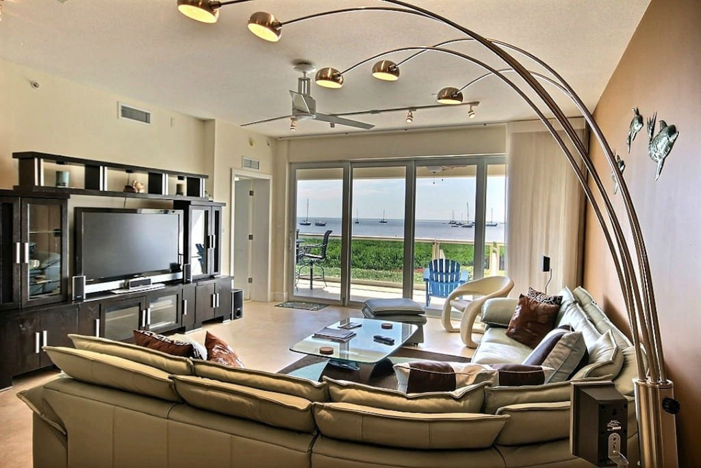 Living area with fantastic oceanview right from you sofa