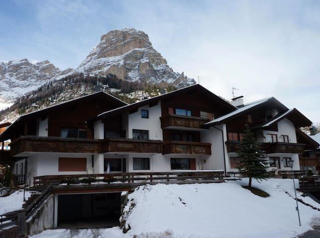 Appartamento vicino alle piste da sci con Wi-Fi, giardino e terrazza