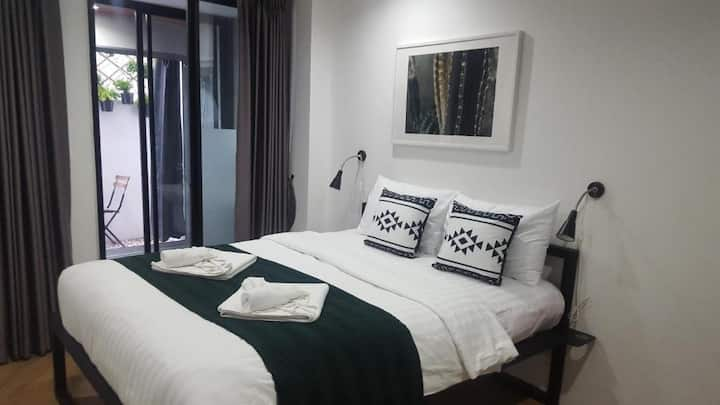 Modern Room in Prime Sathorn near BTS