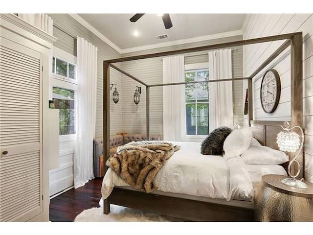 It's tough to choose which room in the Luxe Duplex is most inviting!