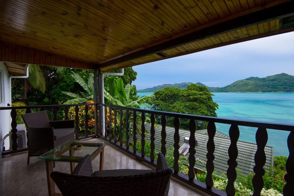 Chalets Cote Mer superior room balcony