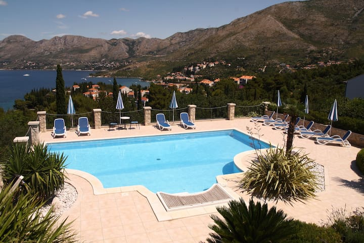 Villa Alegria Cavtat - Studio Apartment with Patio and Garden View