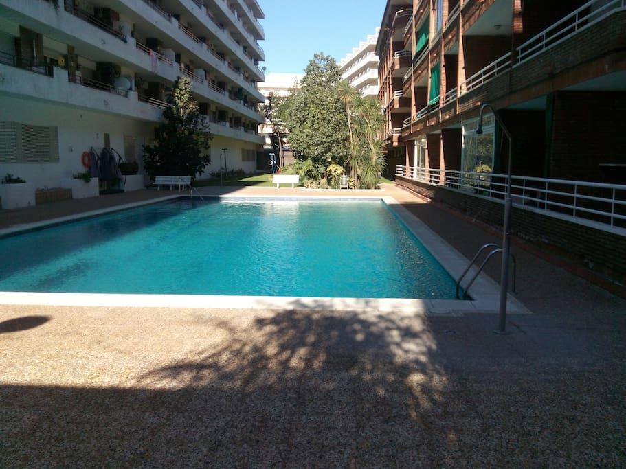 Apart para 2 cerca mar con piscina hutg 022799 byty k for Hoteles en lloret de mar con piscina climatizada