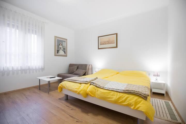Small coazy apartment