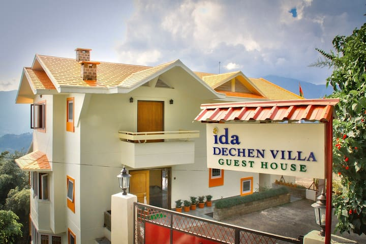 Ida Dechen Villa- A perfect stay - Gangtok - Villa