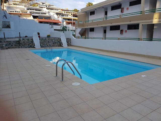 Lovely 2bed Apt, swimming pool, near the beach!