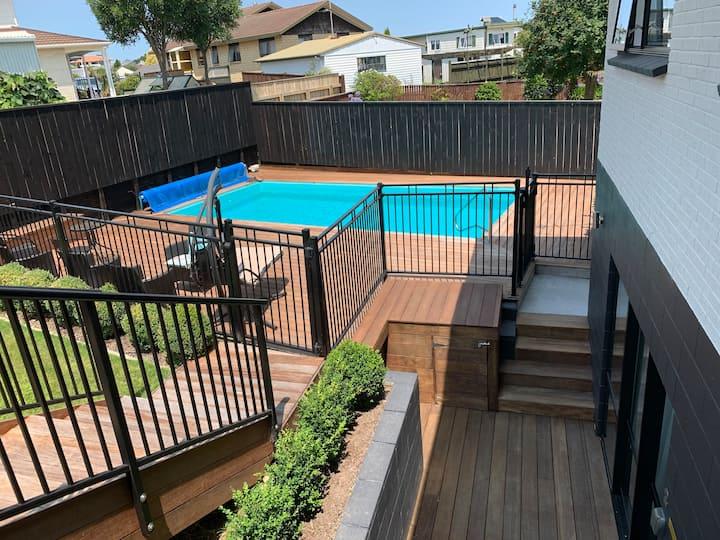 Richmond Retreat (2nd Unit) - New, Clean, Luxury!