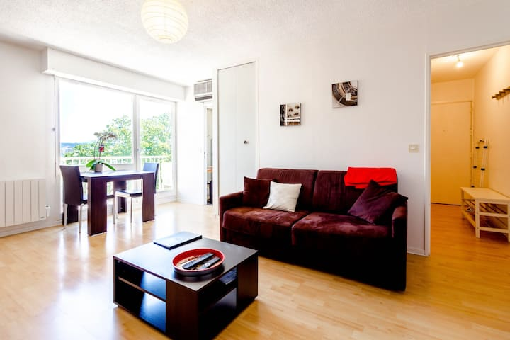NICE APARTMENT NEAR FOUNDATION VASARELY IN AIX EN PROVENCE FOR 2 PEOPLE.