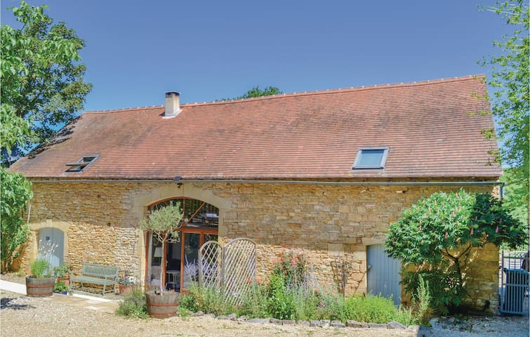 Holiday cottage with 5 bedrooms on 147m² in Degagnac