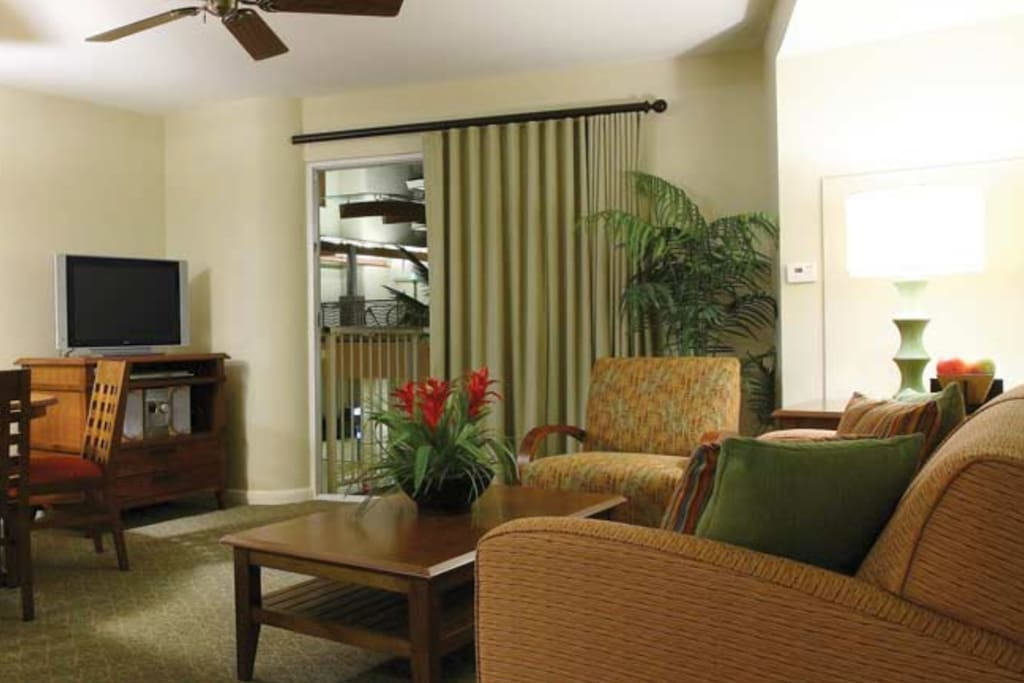 2 bedroom deluxe at wyndham waikiki beach walk resorts for rent in honolulu hawaii united states for Wyndham waikiki beach walk 2 bedroom