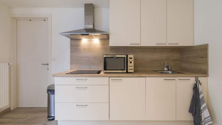 Modern private apartment in city centre!
