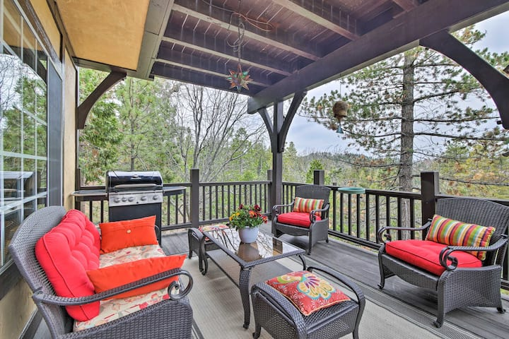 Luxury Lake Arrowhead Home w/Deck, 3 Mi to Village