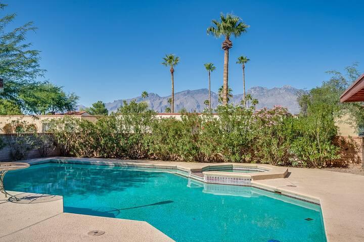 Tucson Escape | Amazing views | Pool, Spa & more!
