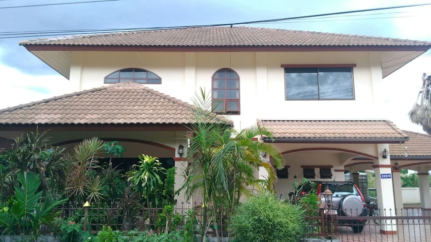 House for Rent ,2 floors , Close to Doi Kham