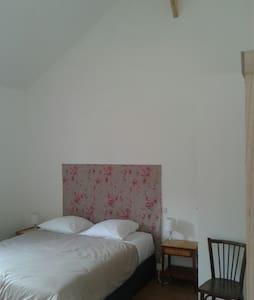 Chambre d'hôte et salle du Campreux - Belleuse