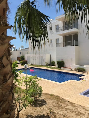 Spacious & comfortable apartment with shared pool