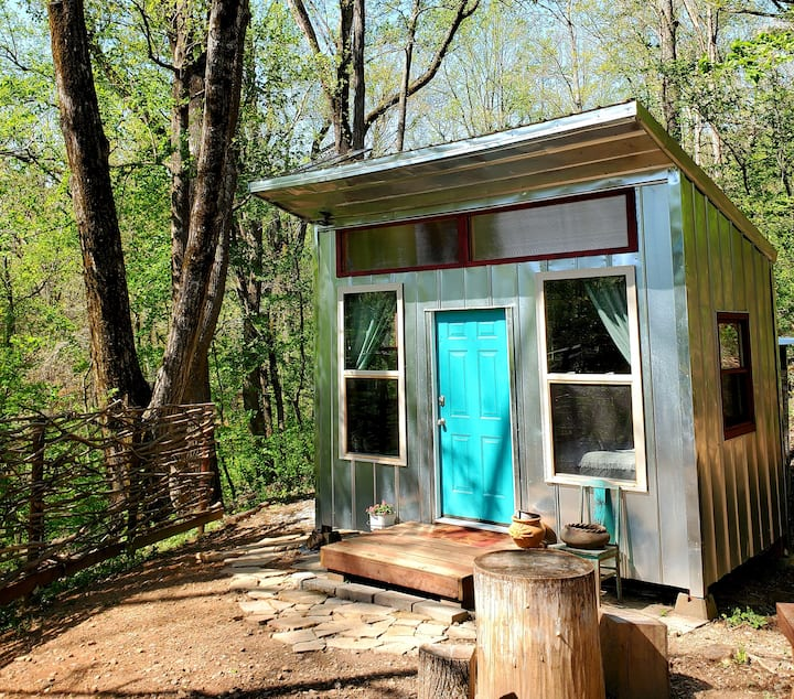 Off Grid Tiny Home Close to Everything N. Georgia