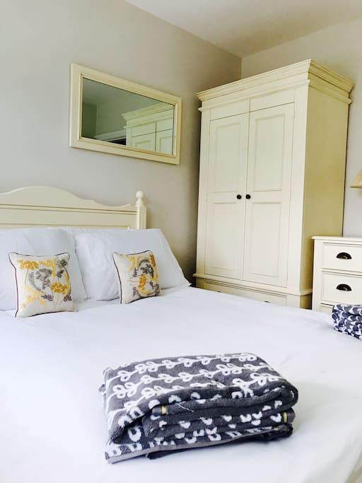 Double Bedroom with wet room ensuite