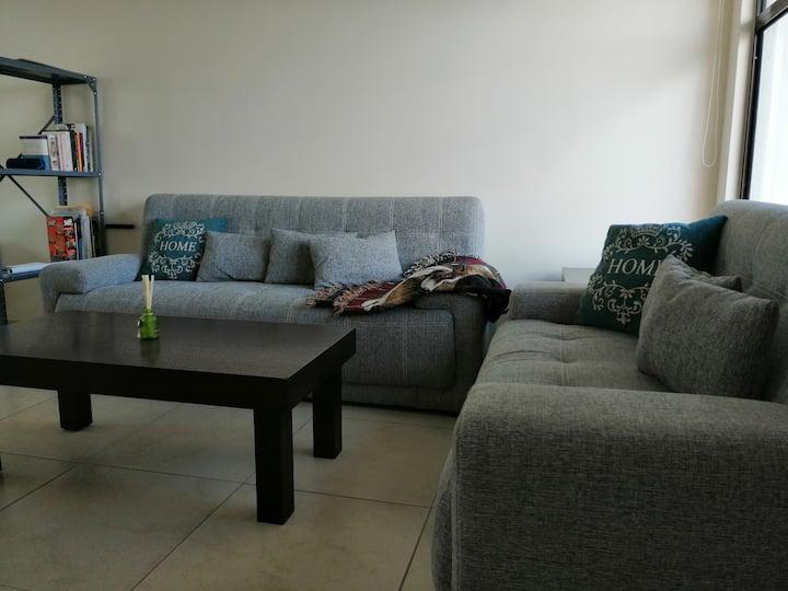 comodas habitaciones en moderna casa