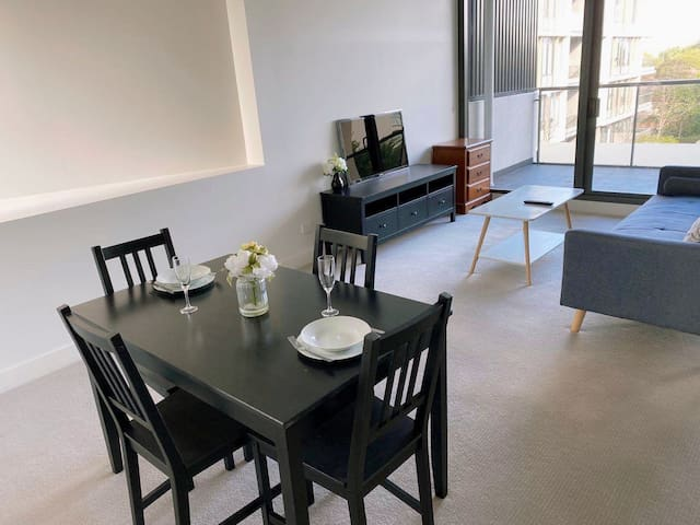 Cozy Stay ONE Bedroom Apartment In Rosebery