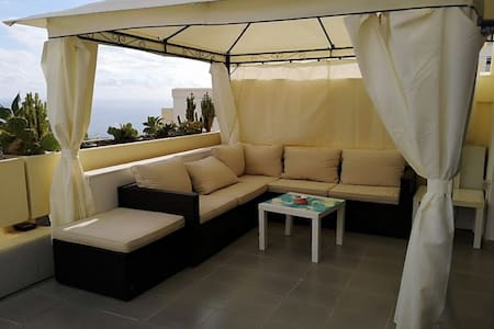 LUXURY OUTDOOR CHILLOUT ZONE - SEA VIEW & POOL