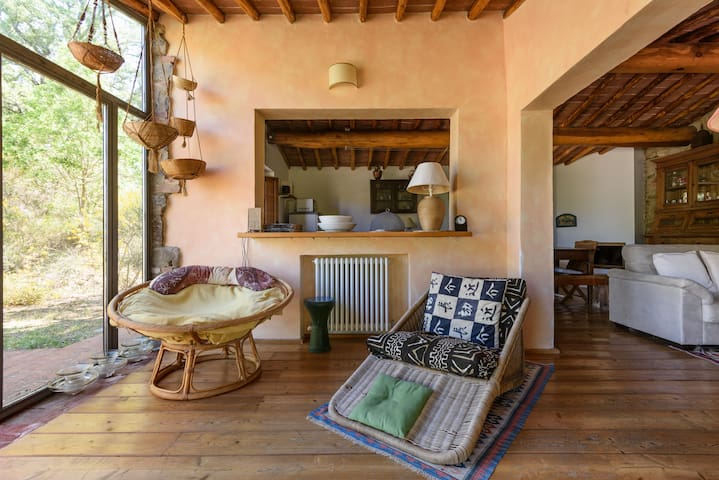 Old Chianti chapel-style cottage