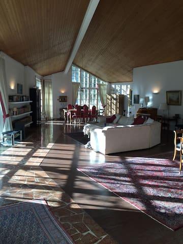 Herrschaftliche Loftwohnung 200 qm - Grünwald - Apartment