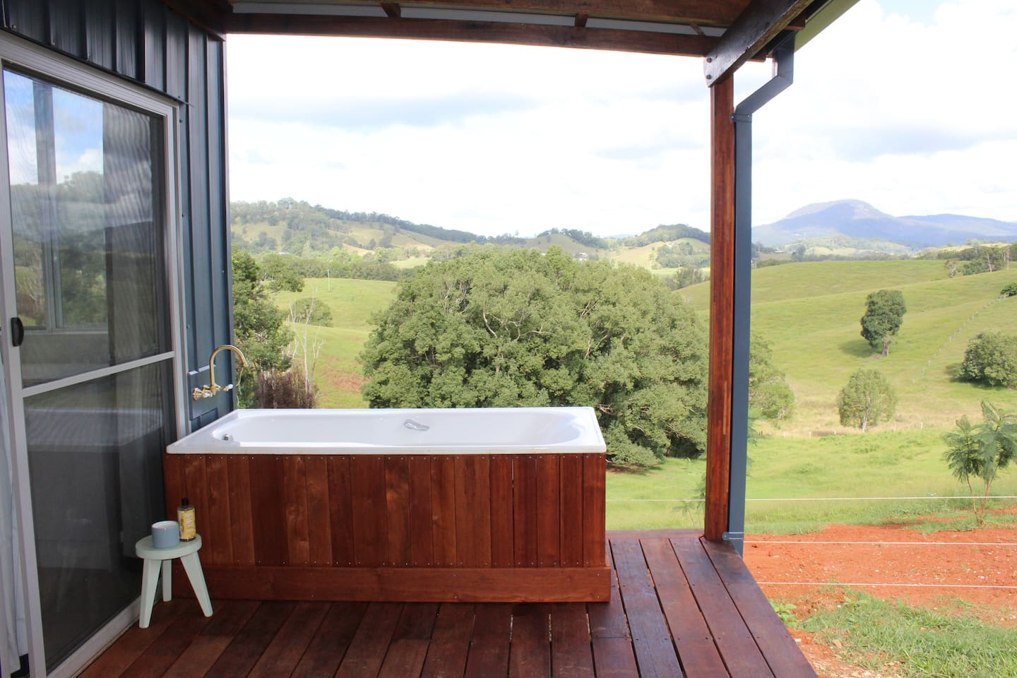 Outdoor bath to view the stars from!
