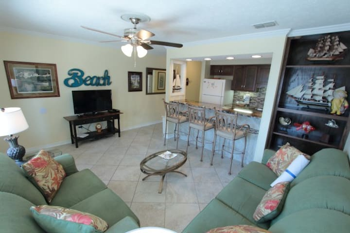 Steps-2-Beach 1BR/1Ba Condo; Pool; Sleeps 4; SS202 - Panama City Beach - Apartament
