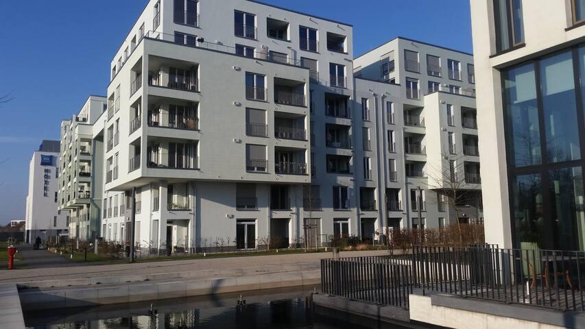 Helles Einzimmer Appartement, Küche, Bad,Balkon - Munic - Pis