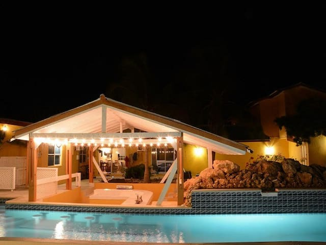 Villa Grote Berg 4p Pool side