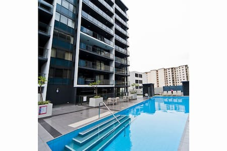 luxury resort living in Perth CBD - Apartment