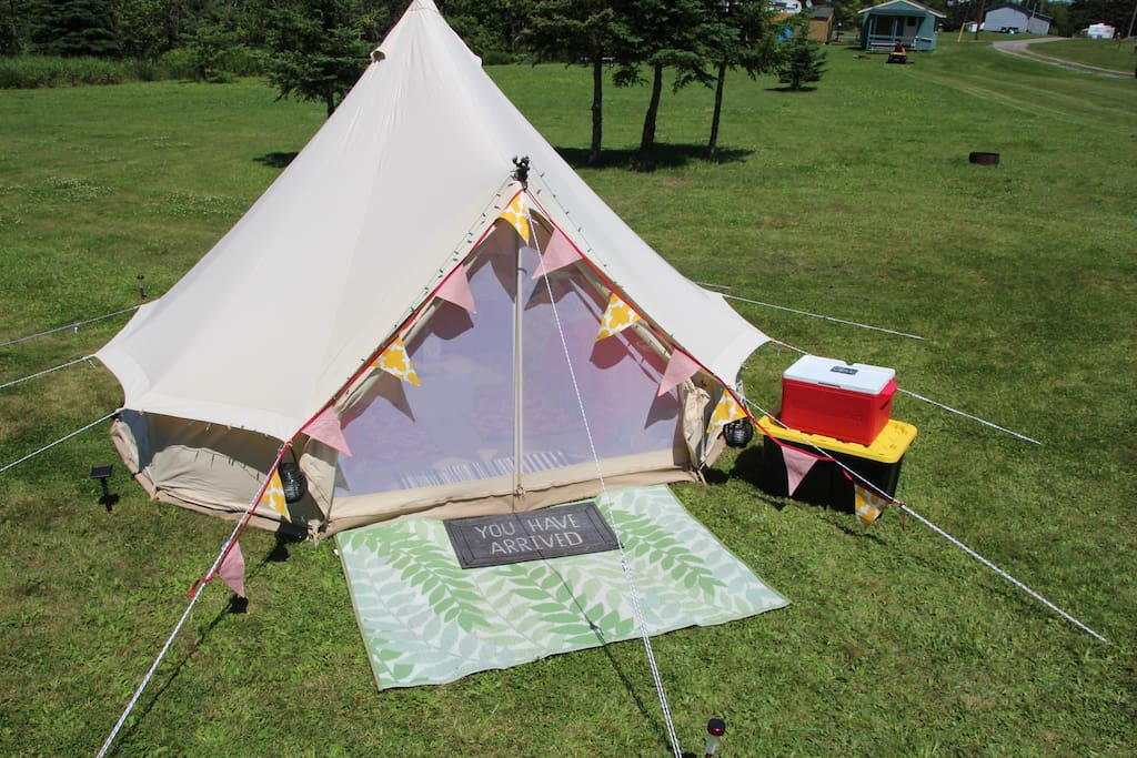East Coast Glamping tents sleep 2 to 4 people on deluxe camp beds. We supply all the gear.