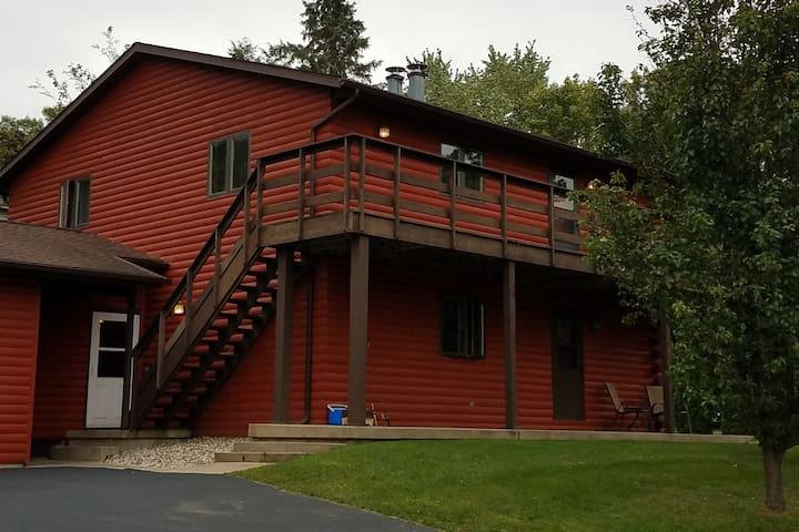 Beautiful Green Lake Log Town House