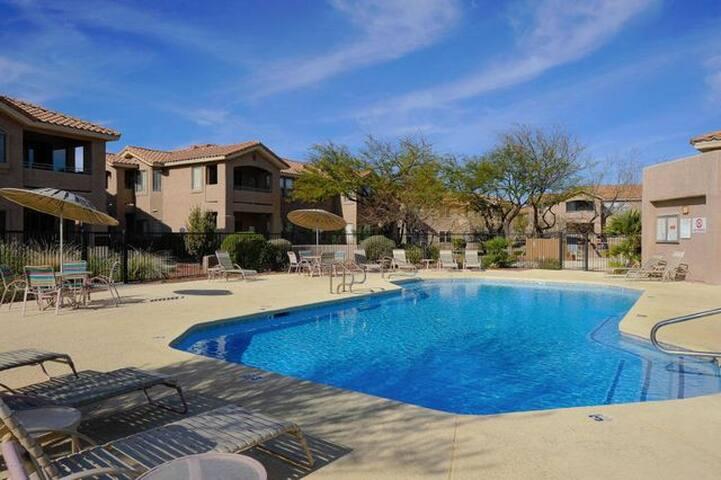 Mountain View, Pool-Side Paradise - Oro Valley