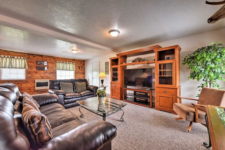 This 3-bedroom, 1.5 bathroom Richmond vacation rental cabin is sure to impress!