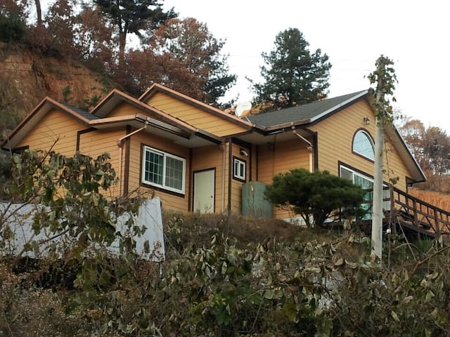 Gapyeong, 2 room house (for 6~8ppl) - Seorak-myeon, Gapyeong-gun - Villa