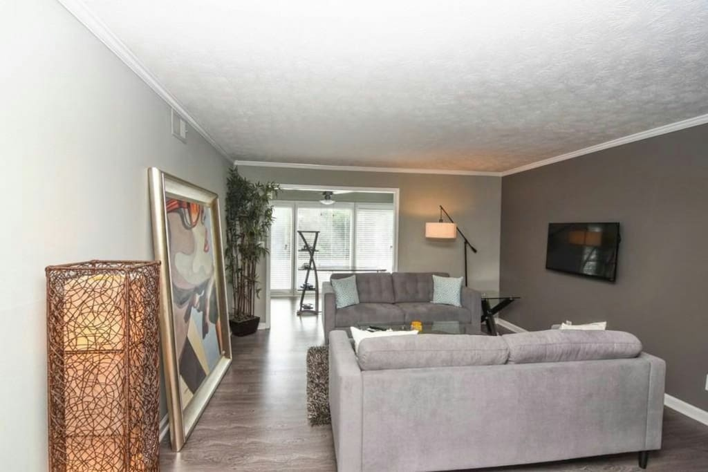 Modern 2 Bedroom Condominium In Sandy Springs Apartments