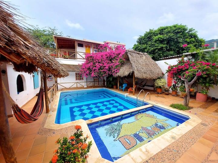 Habitación doble en Hostel con piscina en Taganga