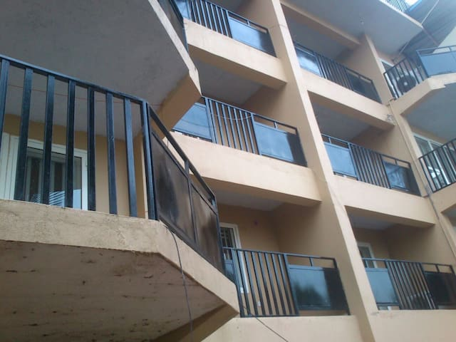 One bed room flat (300 m from Hill Station Club)RB