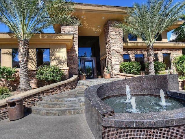 Luxurious N.Scottsdale condo