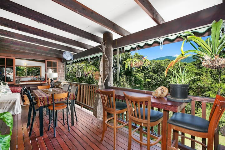 Nature lovers & pet friendly family home - Brinsmead - Casa