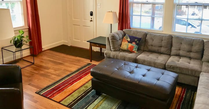 Cozy apartment in historic district, walk to Duke