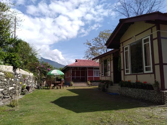 Dhuni Homestay - A home for travellers.