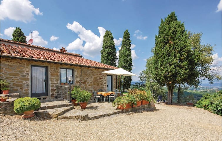 Semi-Detached with 2 bedrooms on 85m² in Figline Valdarno FI